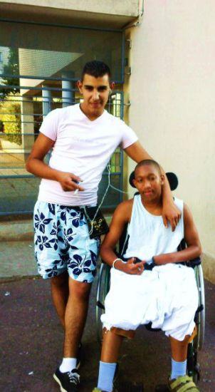Yasna & Momo