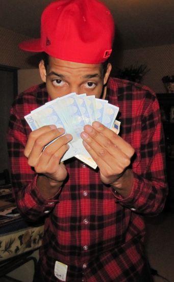 Money money ..... I hate this !!!