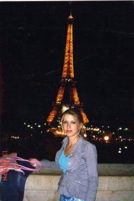 ma soeur (sonia) en france a paris...