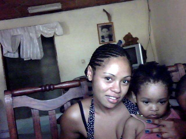 ma grande soeur et ma niece chérie qui est trop mimi