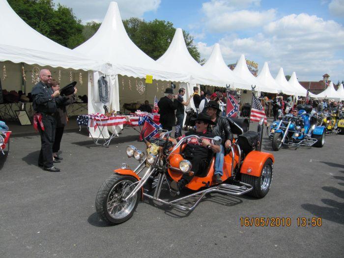 Más motos! / Plus de motos!