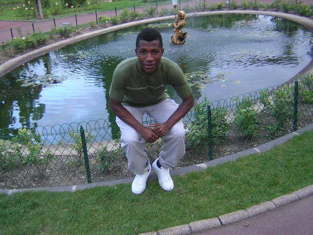 J e sui au jardin pulic à Clairemon ferant 2008