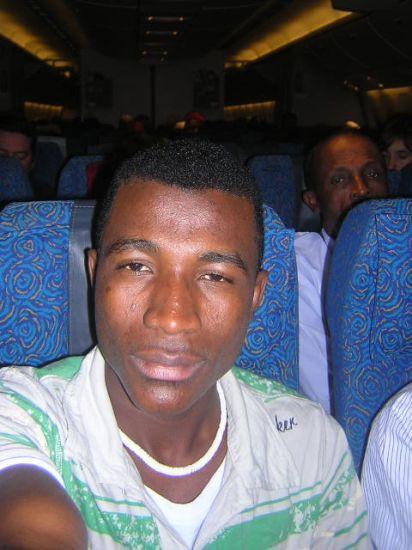 là je suis dans l'avion Aire Austral provenance de Marseille