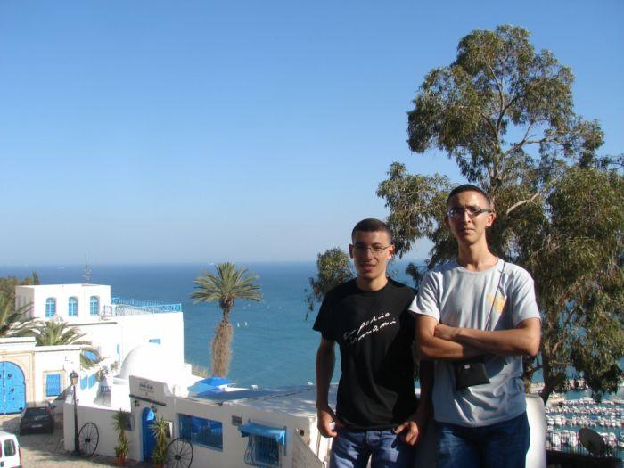 moi et mon ami Houssem a sidi-bousaiid  (tunisie)