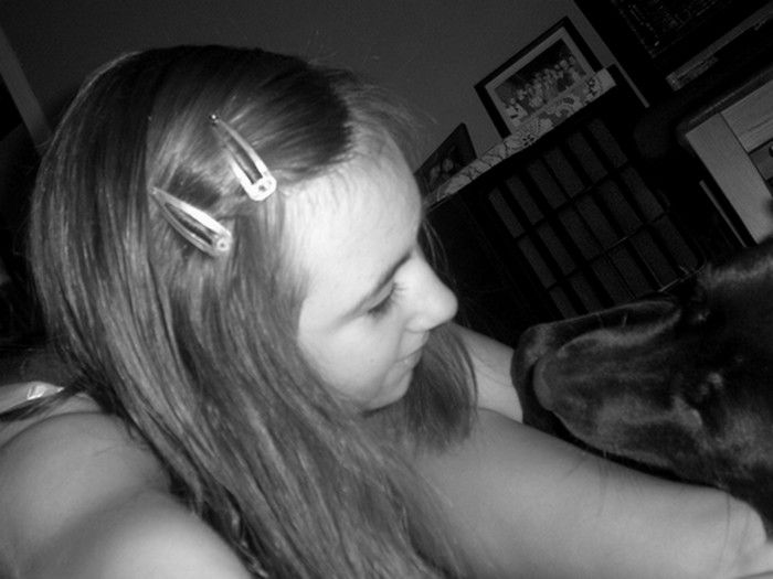 Ma chienne & Moi . :)
