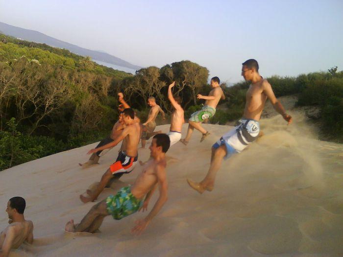 saut- a la plage l'ambouchure (el kala )