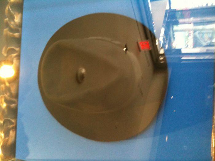 Le vrai chapeau de Michael Jackson au Hard Rock Café de LA (