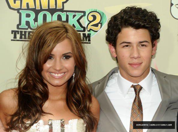 Demi and Nick à la première de Camp Rock 2