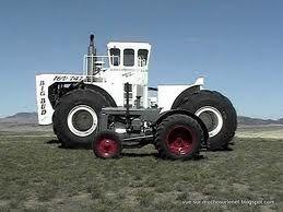 le plus gros et les plus petit tracteur du monde