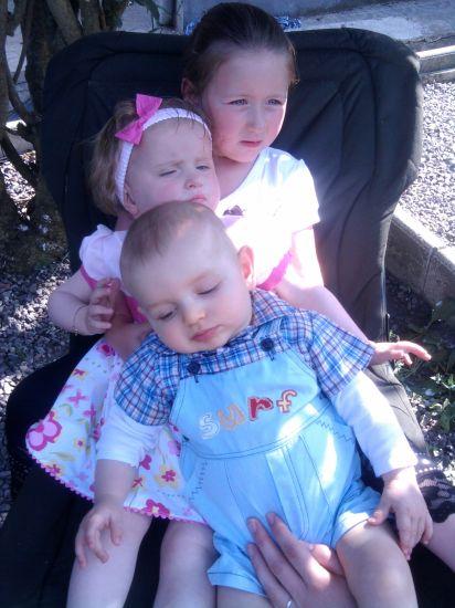 mes filles et leur cousin jason.