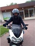 Moi sur la moto de papa