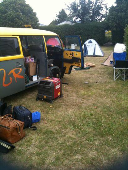 Au camping 'de la fontaine', route du mont St. Michel