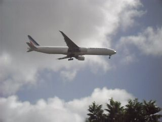 avion qui atteri pres de  chez moi
