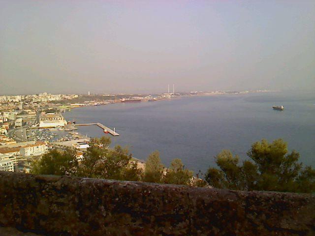 mon pays vu des hauteurs de sétubal portugal