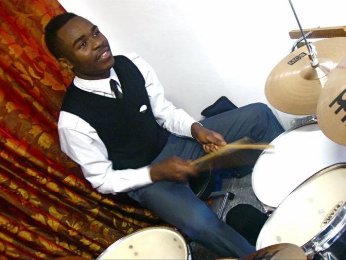 Deyan Mobali Ya Drum La Machine De Gurre