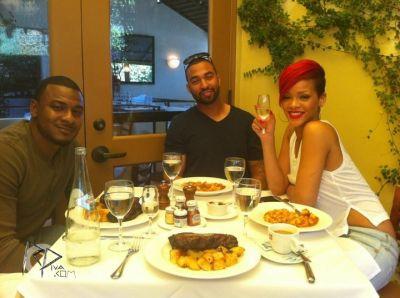 Rihanna & Matt à un dinner