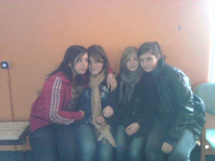Apolline, Anais, Marine, Johanna
