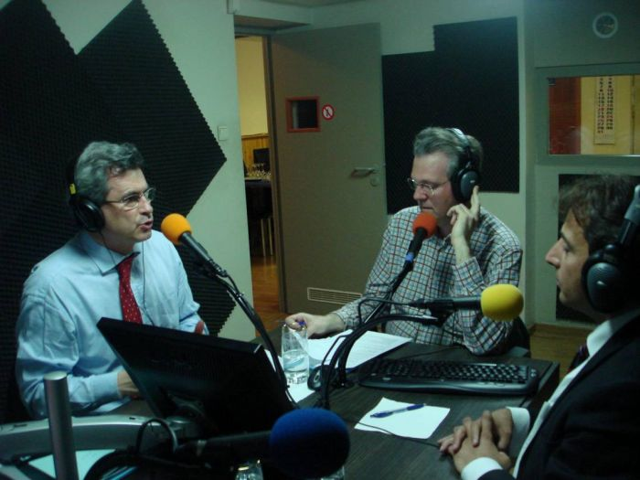 Animation de débat politique à la radio
