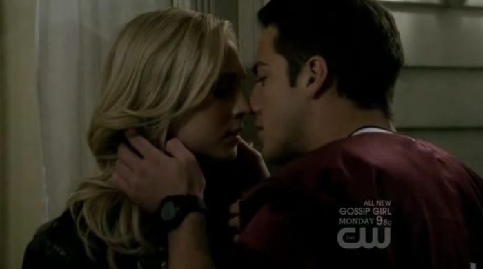 Moi et Tyler qui m'embrasse <3