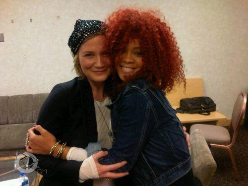 Rihanna & Jennifer Nettles à Las Vegas.   2 Avril