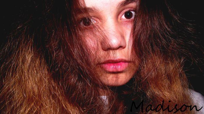 Grouaw , je suis une lionne. Madison la lionne.