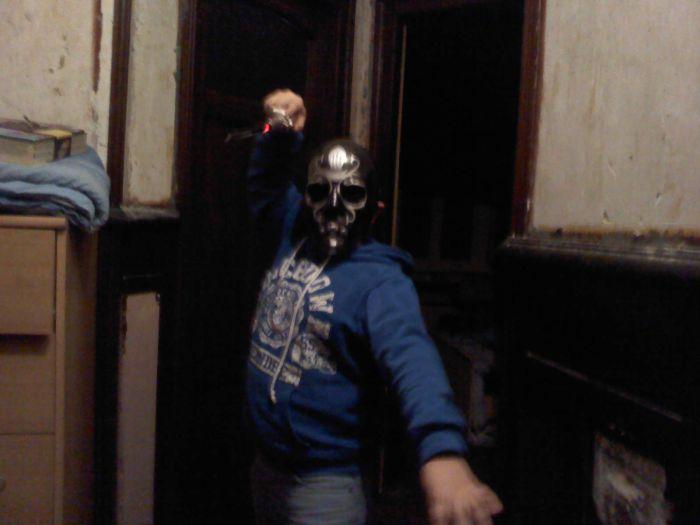 mon pote avec mon masque xd☻☺