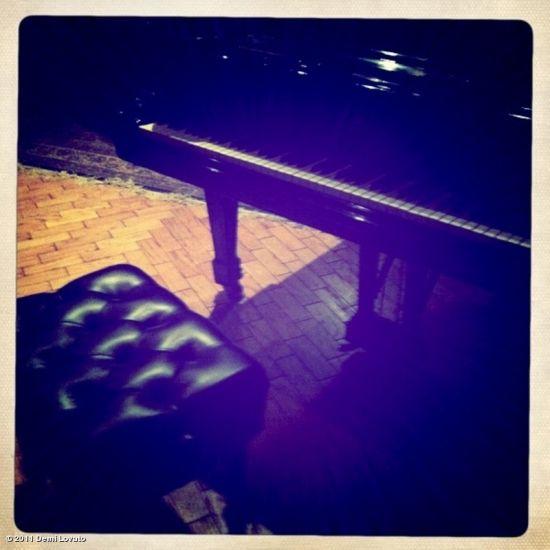 Les belles mélodies sont celle du piano!!!