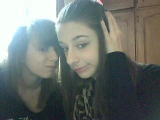 Moi et la cousine. ( Bave pas . (Aa) )