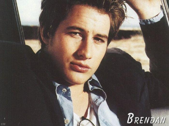 "Brendan Fehr dans "" Roswell"""