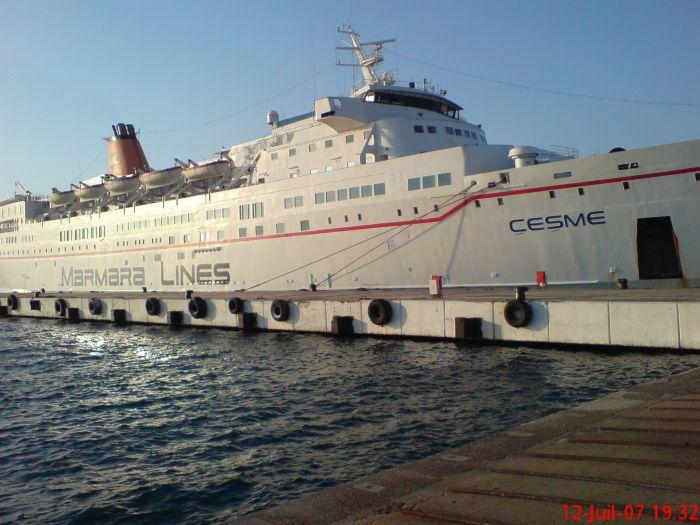 le bateau ou on et monté pour allé o bled