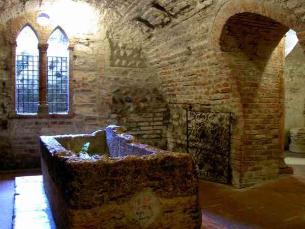 tomba di Famiglia Capuleti é di Roméo é Giuletta