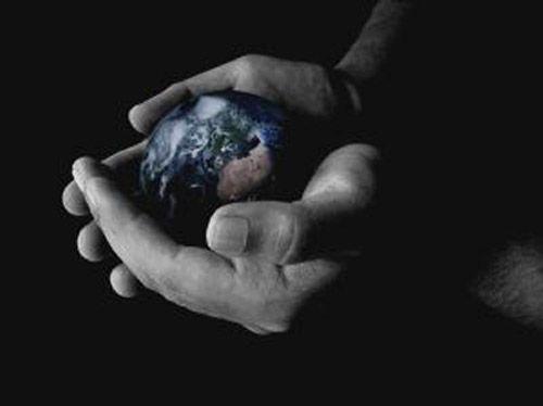 tenir le monde dans la peaume de sa main