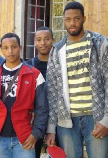 moi et mes 2 cousins mehdi et khali