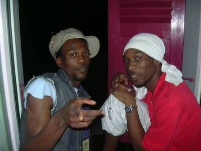 Karaib D et Mista W ally,big up sé dé missié la!!