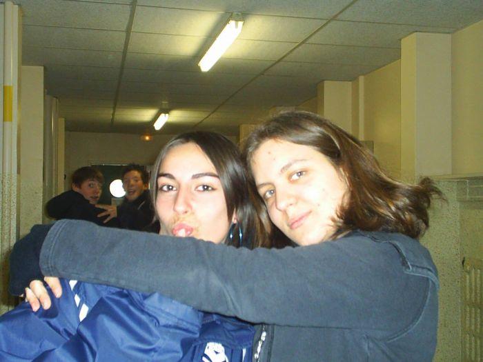 De droite à gauche: Lisa et moi.