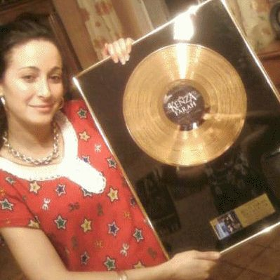 Kenza Farah & Son Disque D'or [AUTHENTiK]