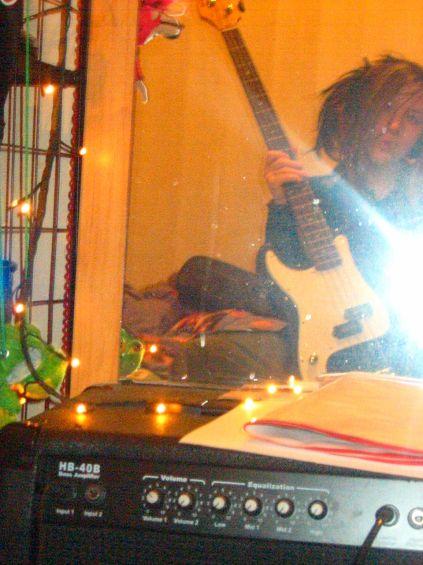 la tite bassiste :p