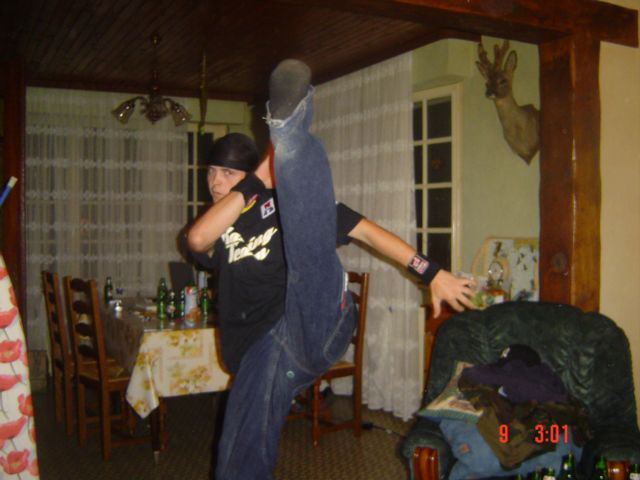 lol juste pour montré la jambe lol