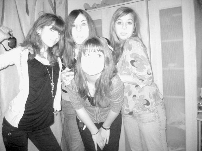 __ Elles x3