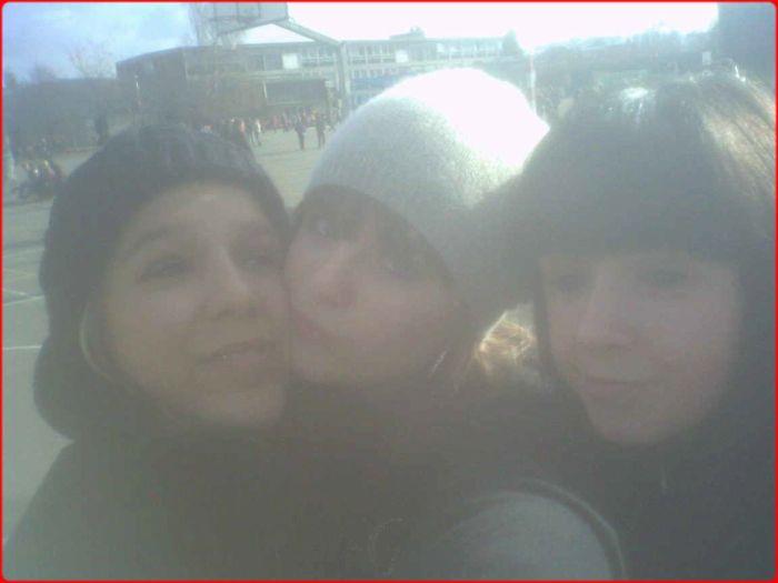 LiiNA ,, MOii & FAREN x.3