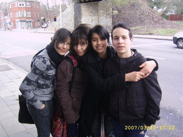 LAM LAM ,  MOii , SARAH, & HICHAM =)