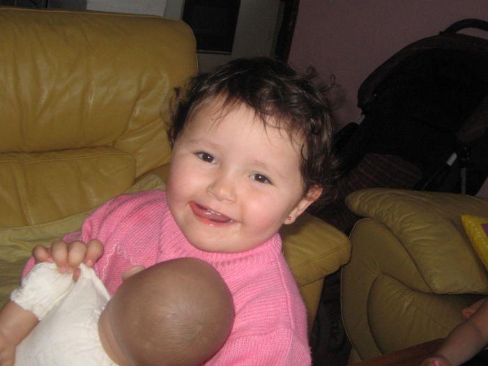 ma nieces oceane la chipie  la fille de ma soeur drine