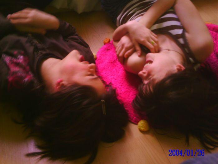 Tessa & Kim x3