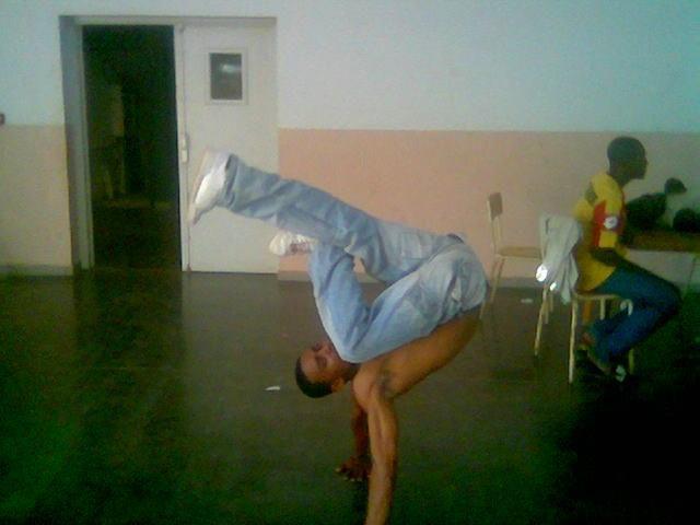 moi en mode breakdance
