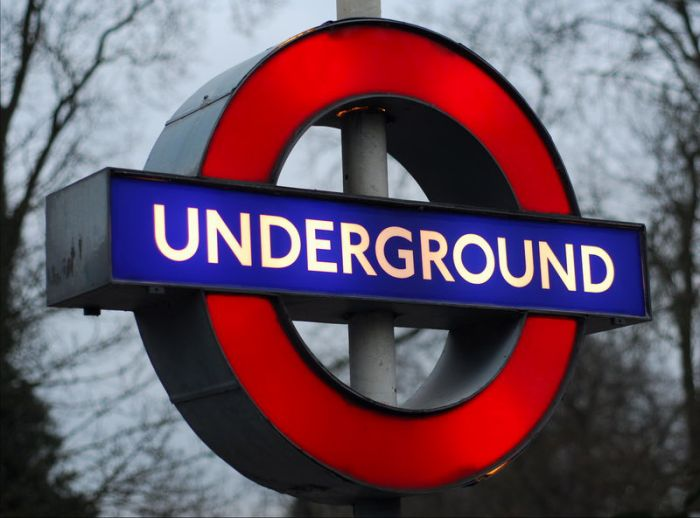 Underground  dima lfog dima l3az ztam  7al lfom...