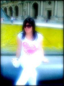 Laeticia @ Louvre !