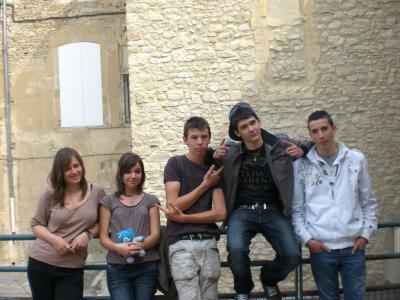 mes amis : julie, julie, robin, landry, florian