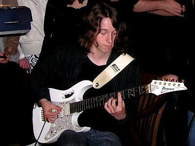 vieille photo avec magnifique guitare