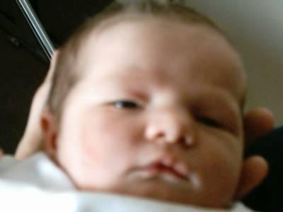 voici mon premier bb ma fille Lauriane