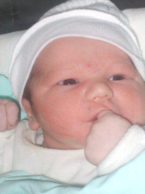voici mon deuxième bb mon fils Ethan